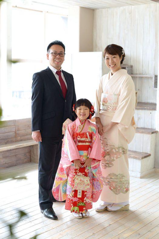 7歳 女の子 ピンクの着物 ママ着物