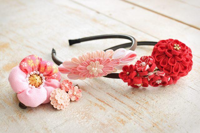 七五三 節句 髪飾り 赤い髪飾り ピンクの髪飾り 和風カチューシャ 奈良市 スタジオオレンジ つまみ細工