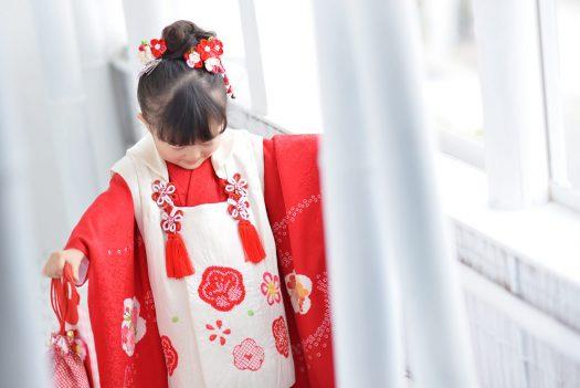 3歳女の子 赤い着物 竹