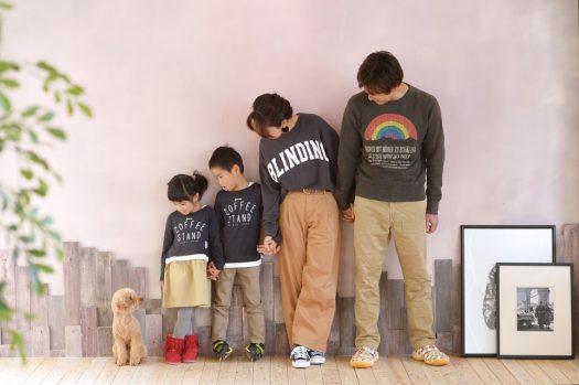 トイプードル 家族写真 お利口さん