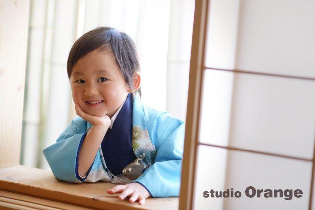 七五三 3歳男の子 水色の着物 障子