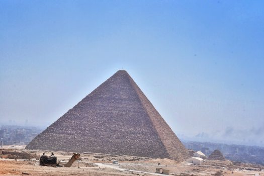 ギザ ラクダ ピラミッド クフ王