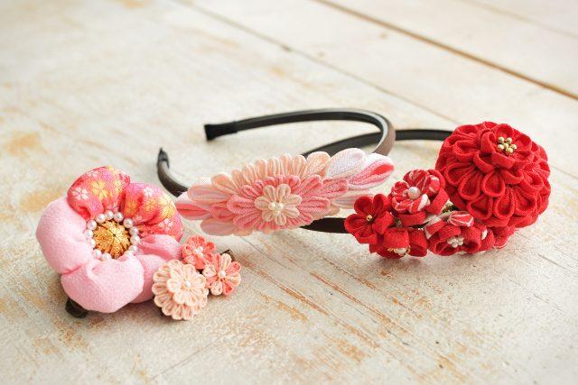 七五三 節句 髪飾り 赤い髪飾り ピンクの髪飾り 和風カチューシャ つまみ細工 手作り