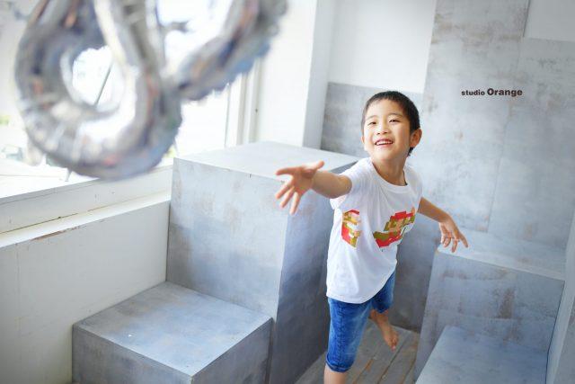 バースデーフォト 誕生日撮影 奈良市 写真館 スタジオオレンジ 風船 マリオ Tシャツ