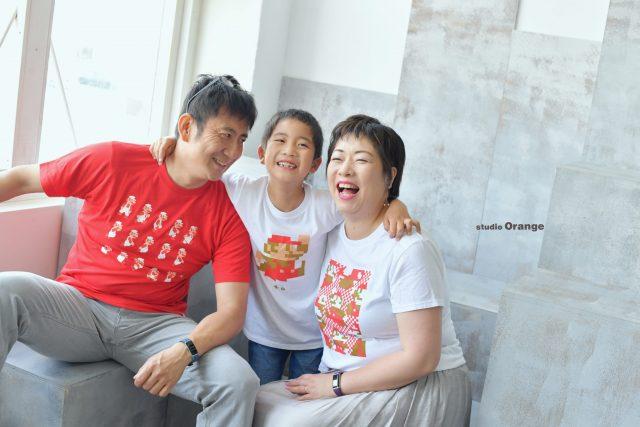 バースデーフォト 誕生日撮影 奈良市 写真館 スタジオオレンジ マリオ Tシャツ 家族写真 集合写真