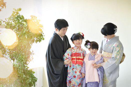 七五三 3歳 着物 新作着物 紫 ピンク 家族撮影