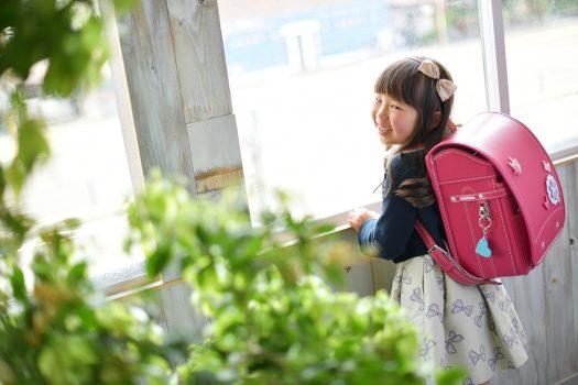 小学校入学 7歳女の子 赤いランドセル