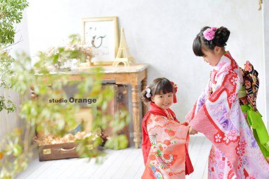七五三 7歳 3歳 女の子 オレンジ着物 着物 写真館 フォトスタジオ