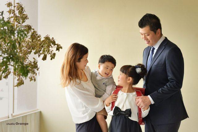 入学 入園 卒業 卒園 幼稚園 小学校 ランドセル 卒園証書 女の子 7歳 家族写真 奈良 スタジオ