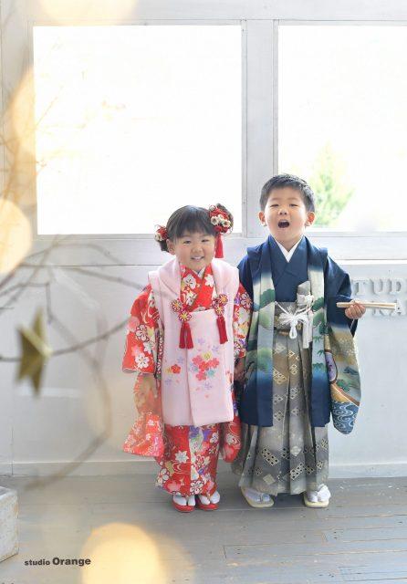 七五三 3歳女の子 5歳男の子 兄妹 着物 ピンク着物 青着物 奈良 写真館 フォトスタジオ