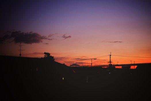 夕焼け 街並み グラデーション