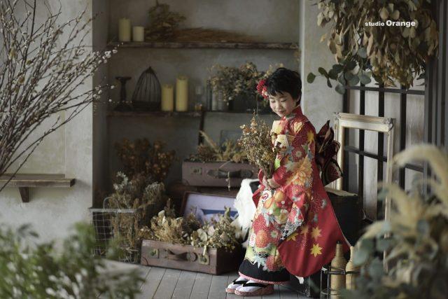 七五三 着物 和装 7歳女の子 赤い着物 奈良 スタジオ 太陽光