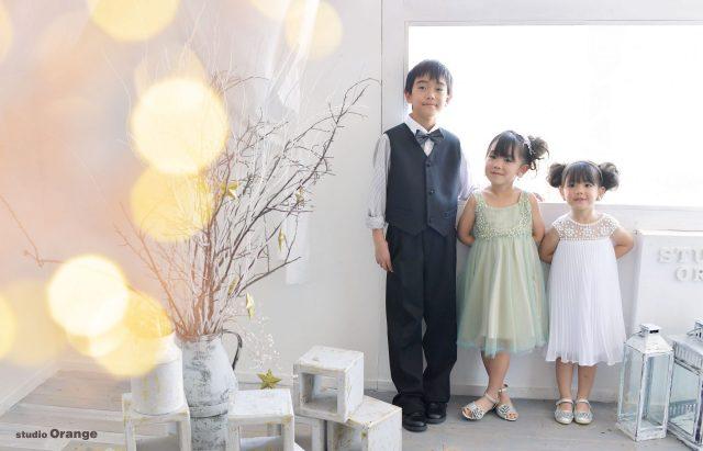 ドレス ベスト タキシード 3人 兄弟写真 玉ボケ 7歳 5歳 3歳
