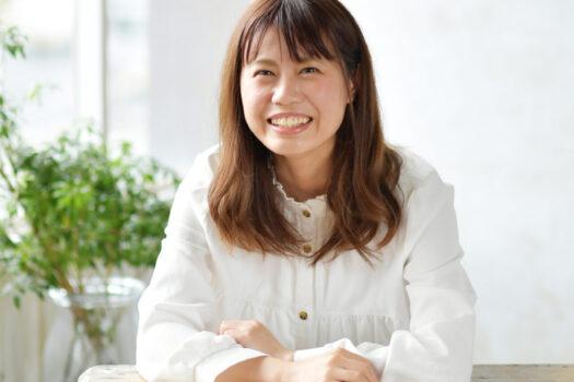 奈良市写真館 プロフィール写真 白い服の女性