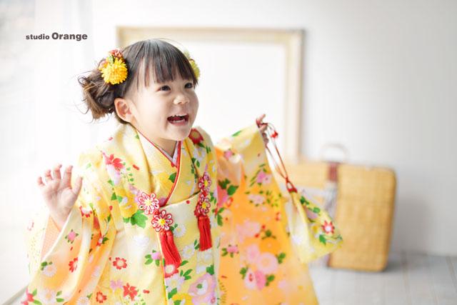 3歳女の子の七五三前撮り撮影 黄色い着物 奈良市のフォトスタジオ・写真スタジオ